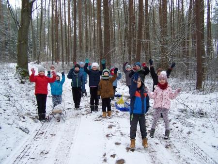 Zimowa wyprawa do lasu - dokarmianie leśnych zwierząt