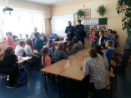 Bezpieczna droga do szkoły - spotkanie z policjantami